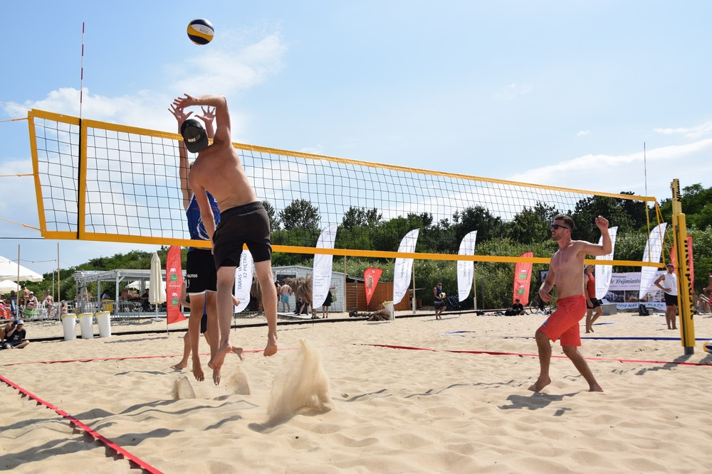 Siatkówka plażowa wraca do Brzeźna – pierwszy turniej już w niedzielę!